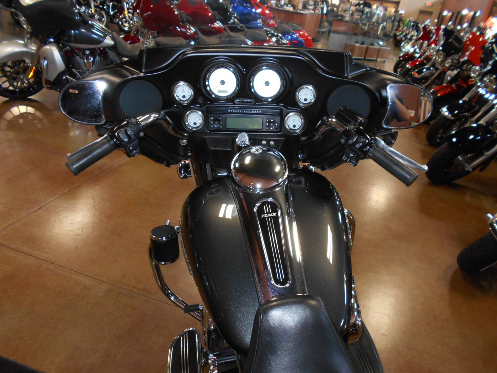 2009 Harley-Davidson Street Glide® in Mauston, Wisconsin - Photo 8