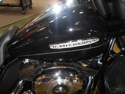 2012 Harley-Davidson Electra Glide® Ultra Limited in Mauston, Wisconsin - Photo 2