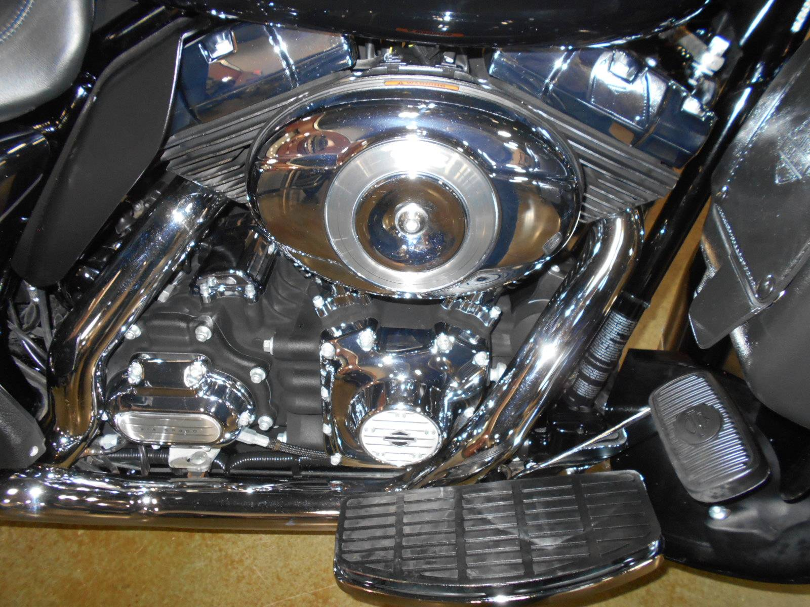 2012 Harley-Davidson Electra Glide® Ultra Limited in Mauston, Wisconsin - Photo 5