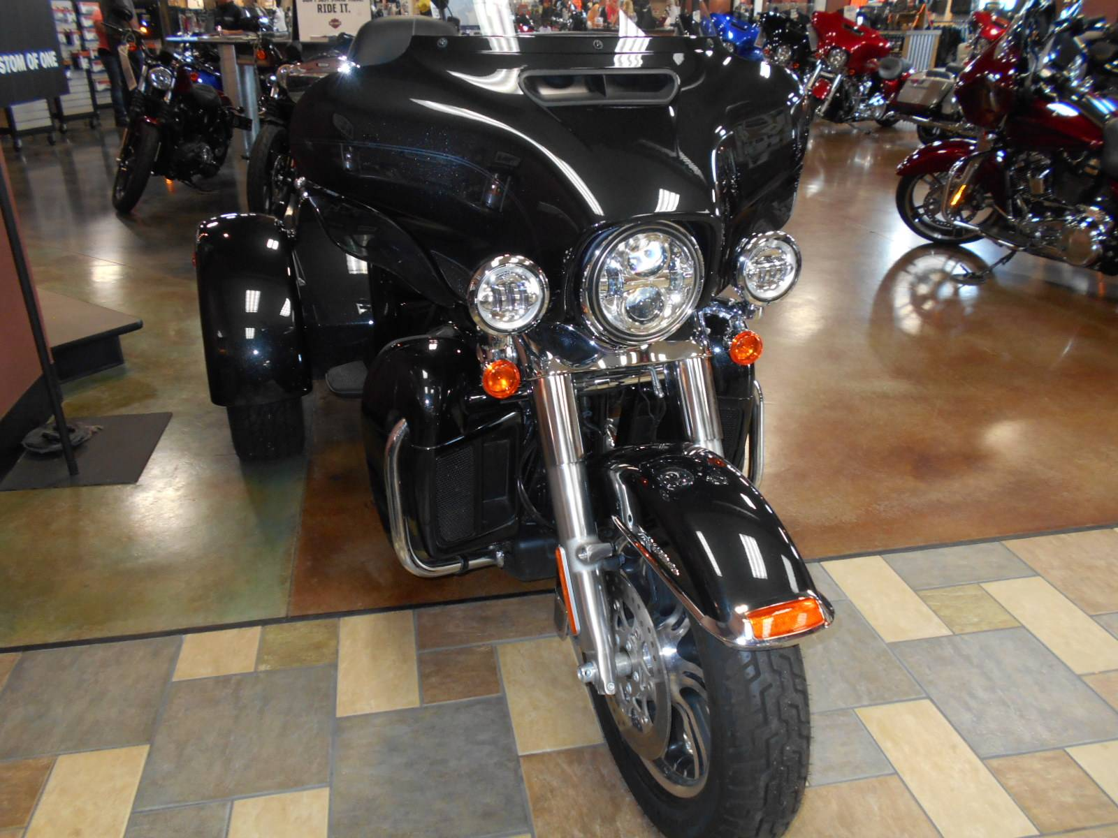 2018 Harley-Davidson Tri Glide® Ultra in Mauston, Wisconsin