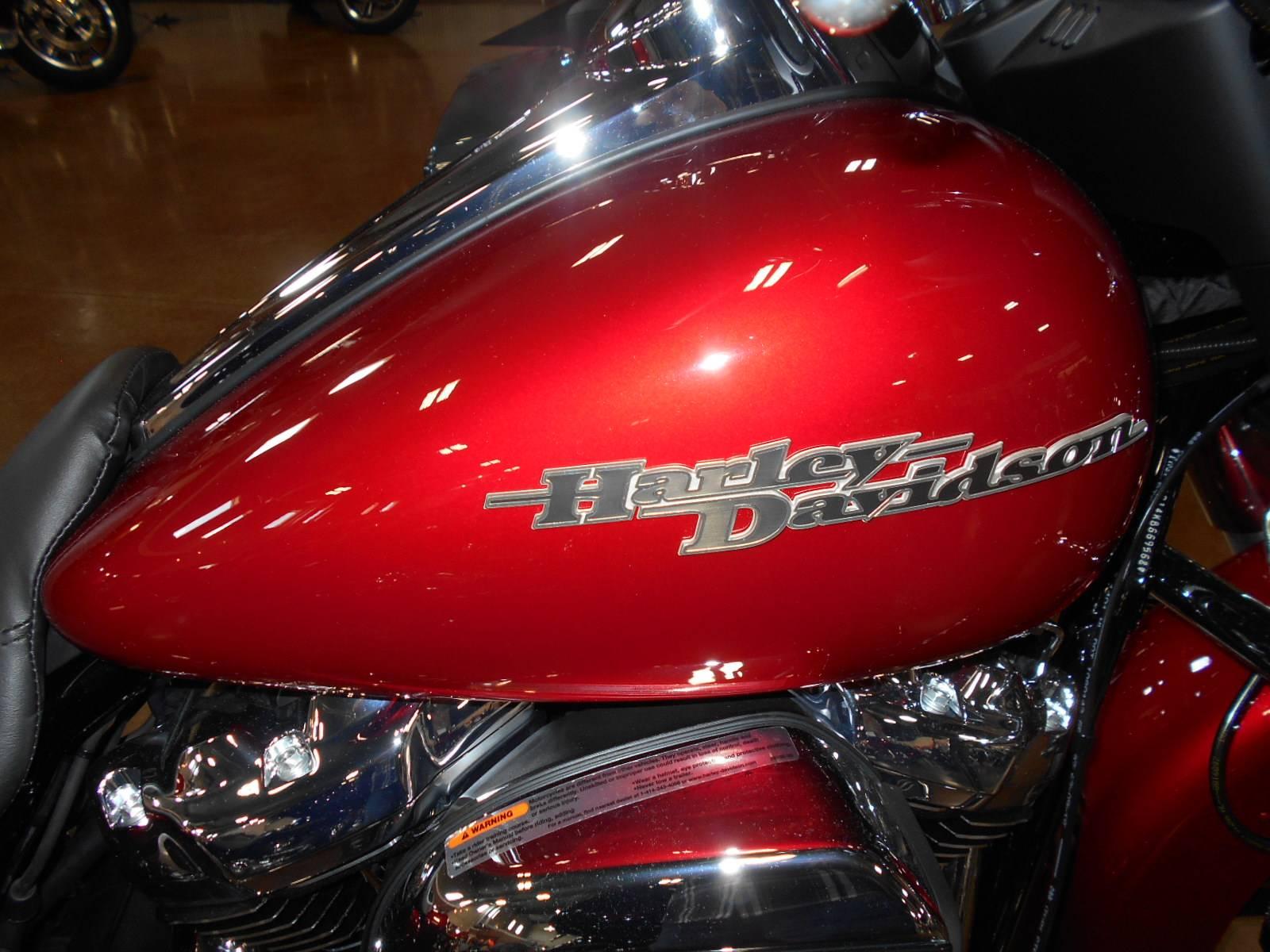 2019 Harley-Davidson Street Glide® in Mauston, Wisconsin