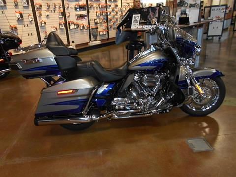 2017 Harley-Davidson CVO™ Limited in Mauston, Wisconsin - Photo 1