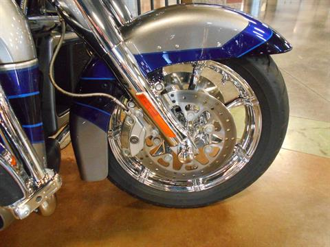 2017 Harley-Davidson CVO™ Limited in Mauston, Wisconsin - Photo 3