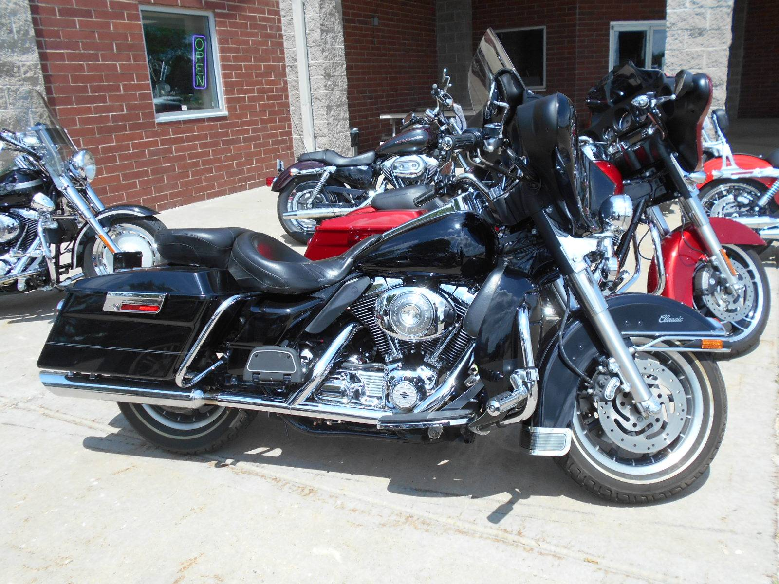 2005 Harley-Davidson FLHTC/FLHTCI Electra Glide® Classic in Mauston, Wisconsin - Photo 1