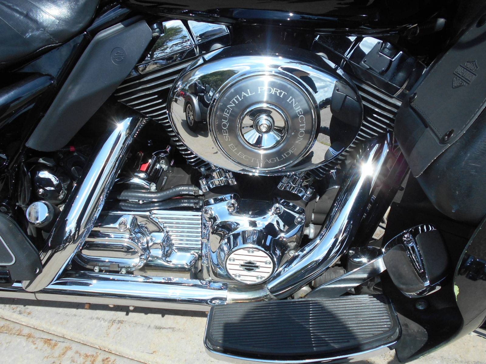 2005 Harley-Davidson FLHTC/FLHTCI Electra Glide® Classic in Mauston, Wisconsin - Photo 5