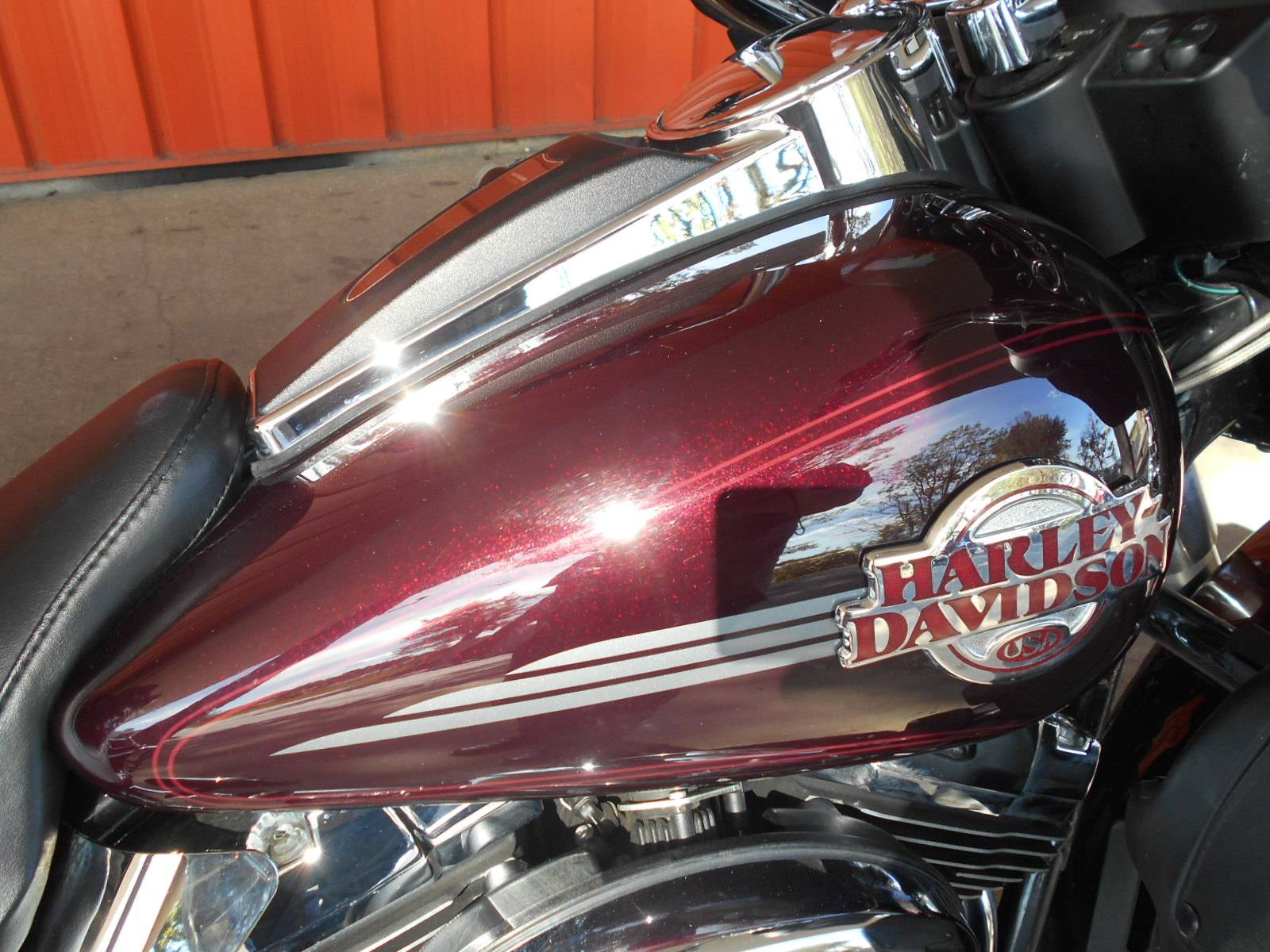 2006 Harley-Davidson Ultra Classic® Electra Glide® in Mauston, Wisconsin - Photo 2