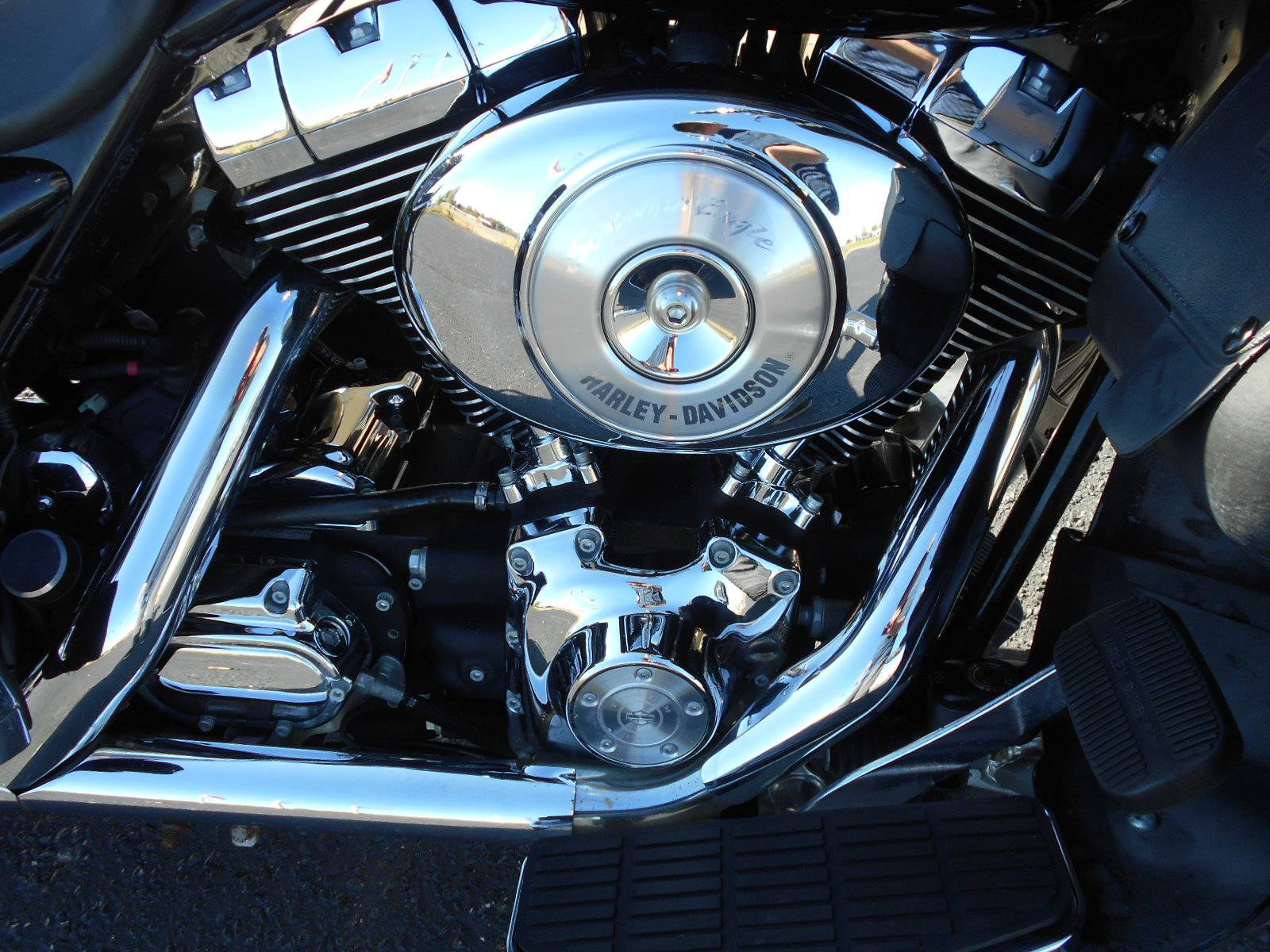 2004 Harley-Davidson FLHTCUI Ultra Classic® Electra Glide® in Mauston, Wisconsin - Photo 5