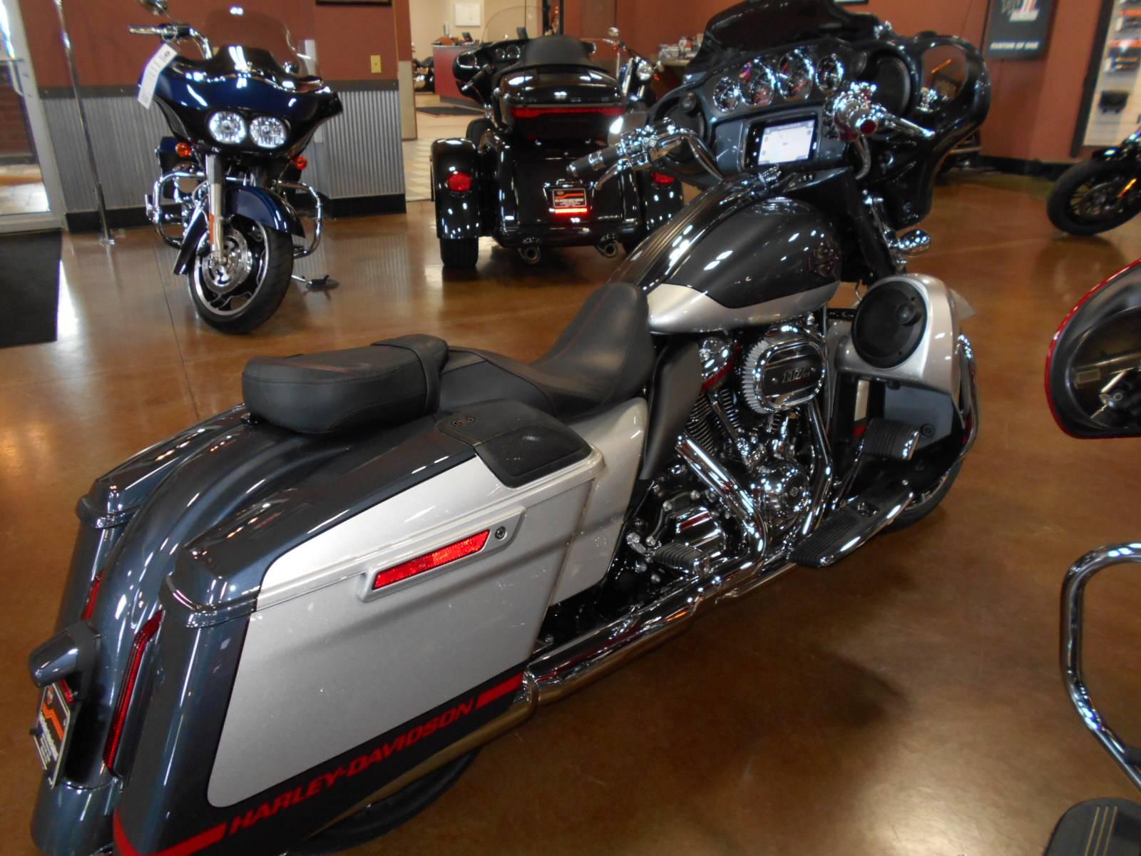 2019 Harley Davidson Cvo Street Glide In Mauston Wisconsin