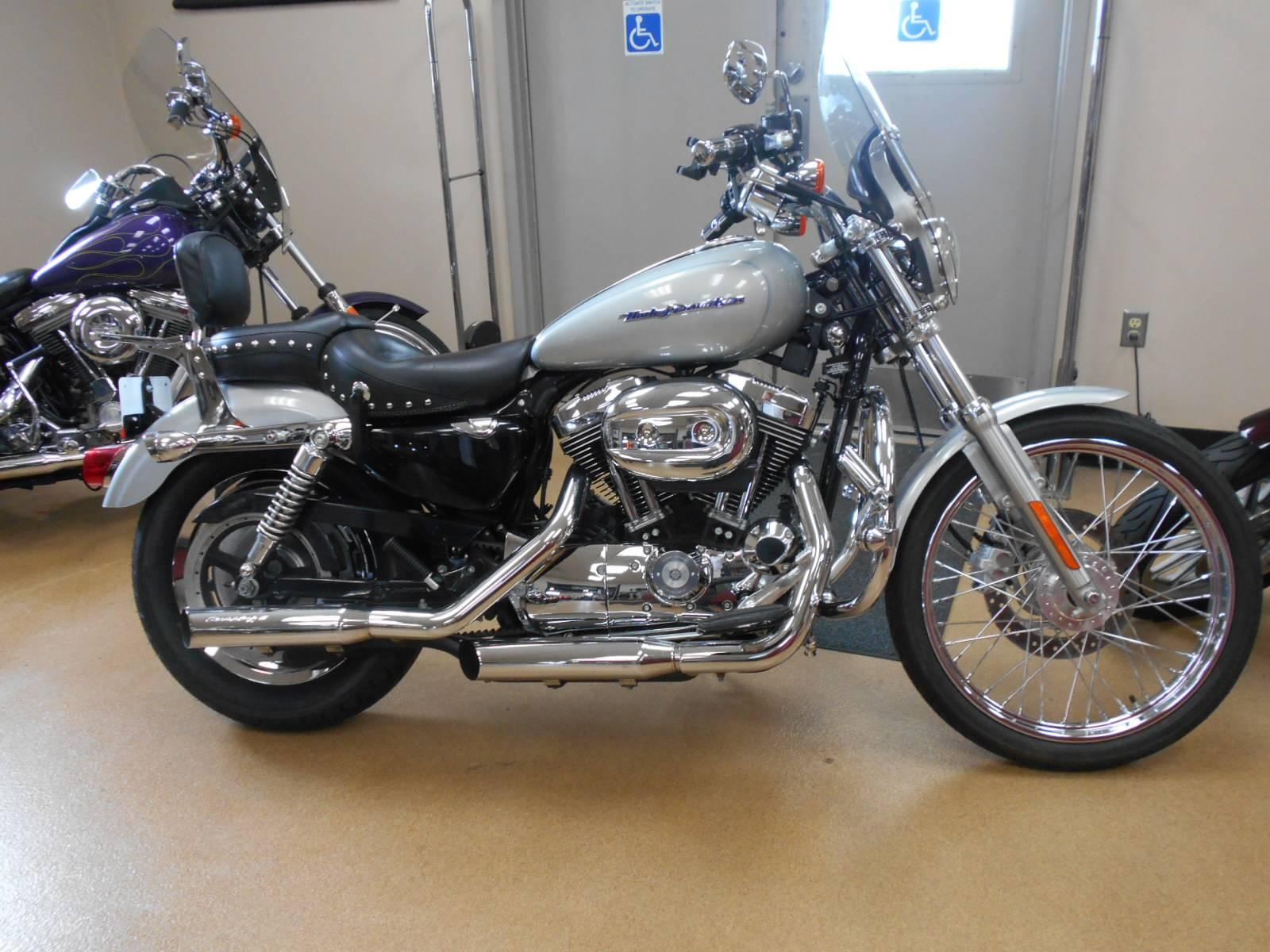 2005 Harley-Davidson Sportster® XL 1200 Custom in Mauston, Wisconsin