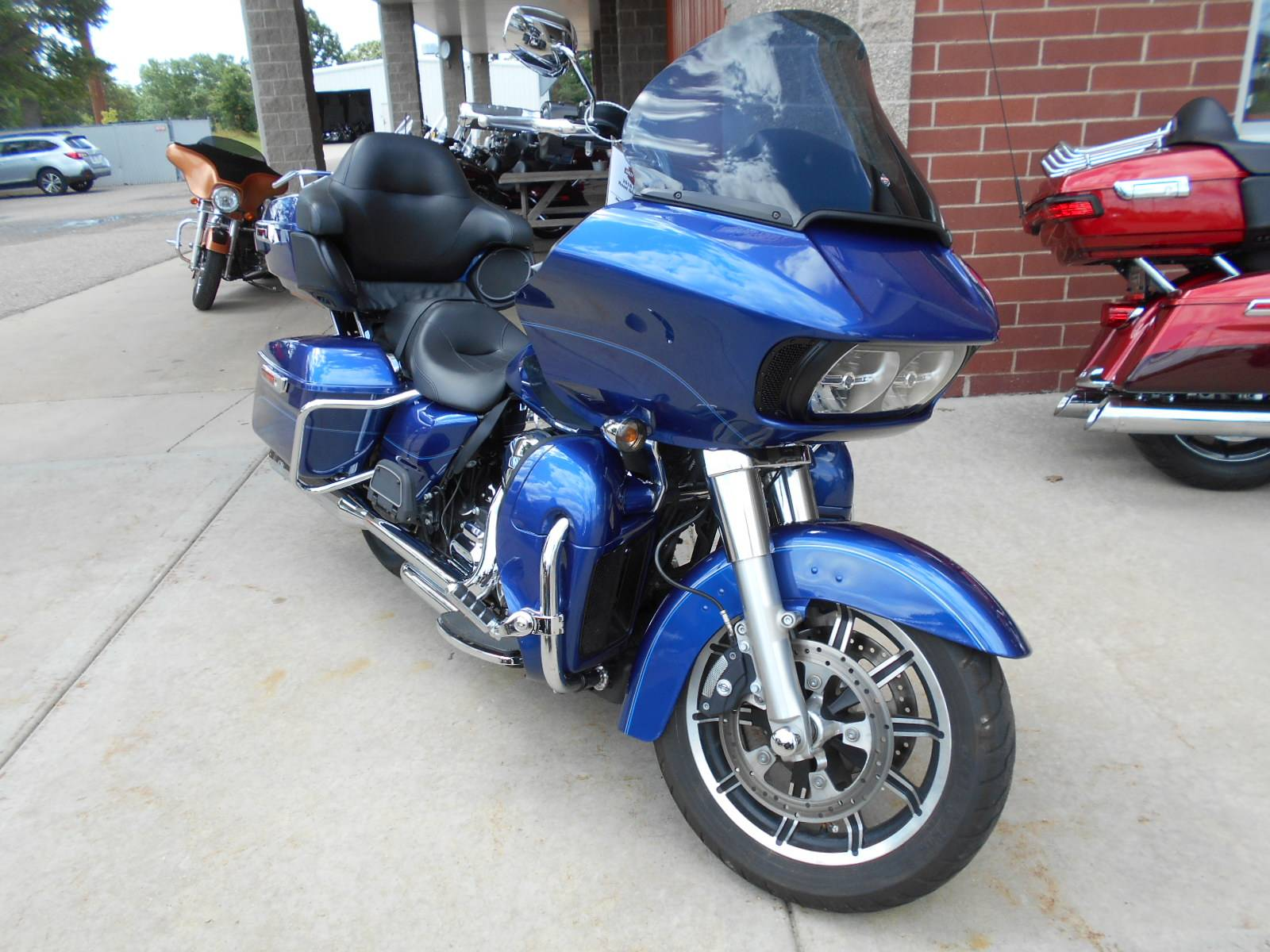 2016 Harley-Davidson Road Glide® Ultra in Mauston, Wisconsin - Photo 3