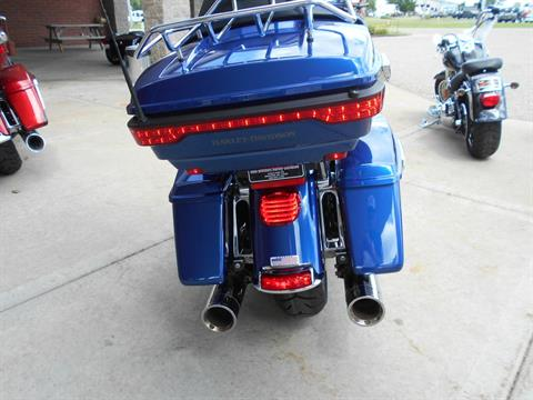 2016 Harley-Davidson Road Glide® Ultra in Mauston, Wisconsin - Photo 7