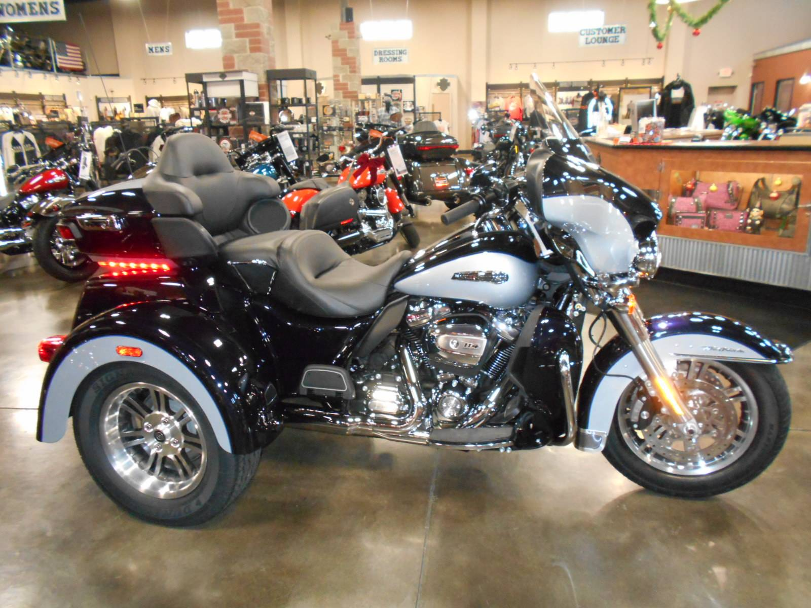 2020 Harley-Davidson Tri Glide® Ultra in Mauston, Wisconsin - Photo 1
