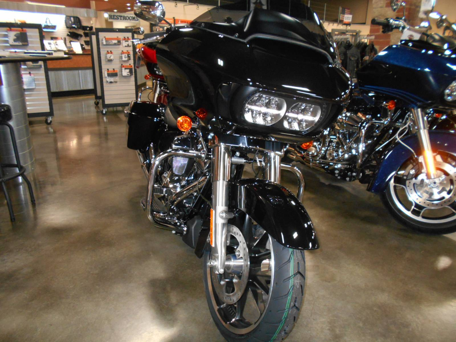 2020 Harley-Davidson Road Glide® in Mauston, Wisconsin - Photo 4