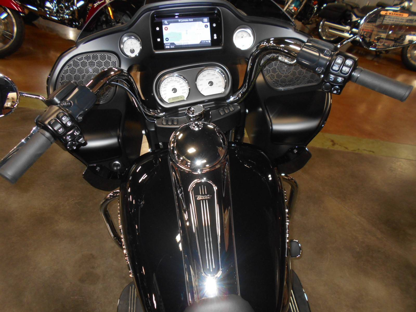 2020 Harley-Davidson Road Glide® in Mauston, Wisconsin - Photo 8