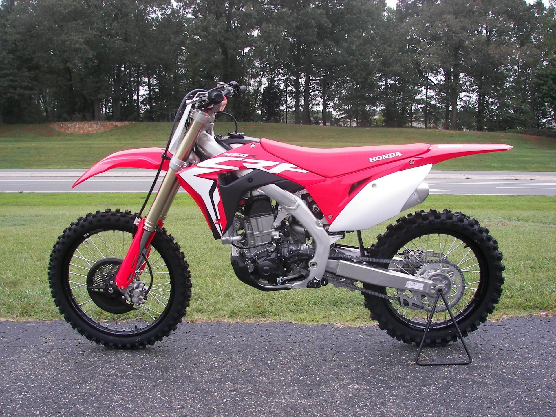 2019 Honda CRF450R in Shelby, North Carolina - Photo 2