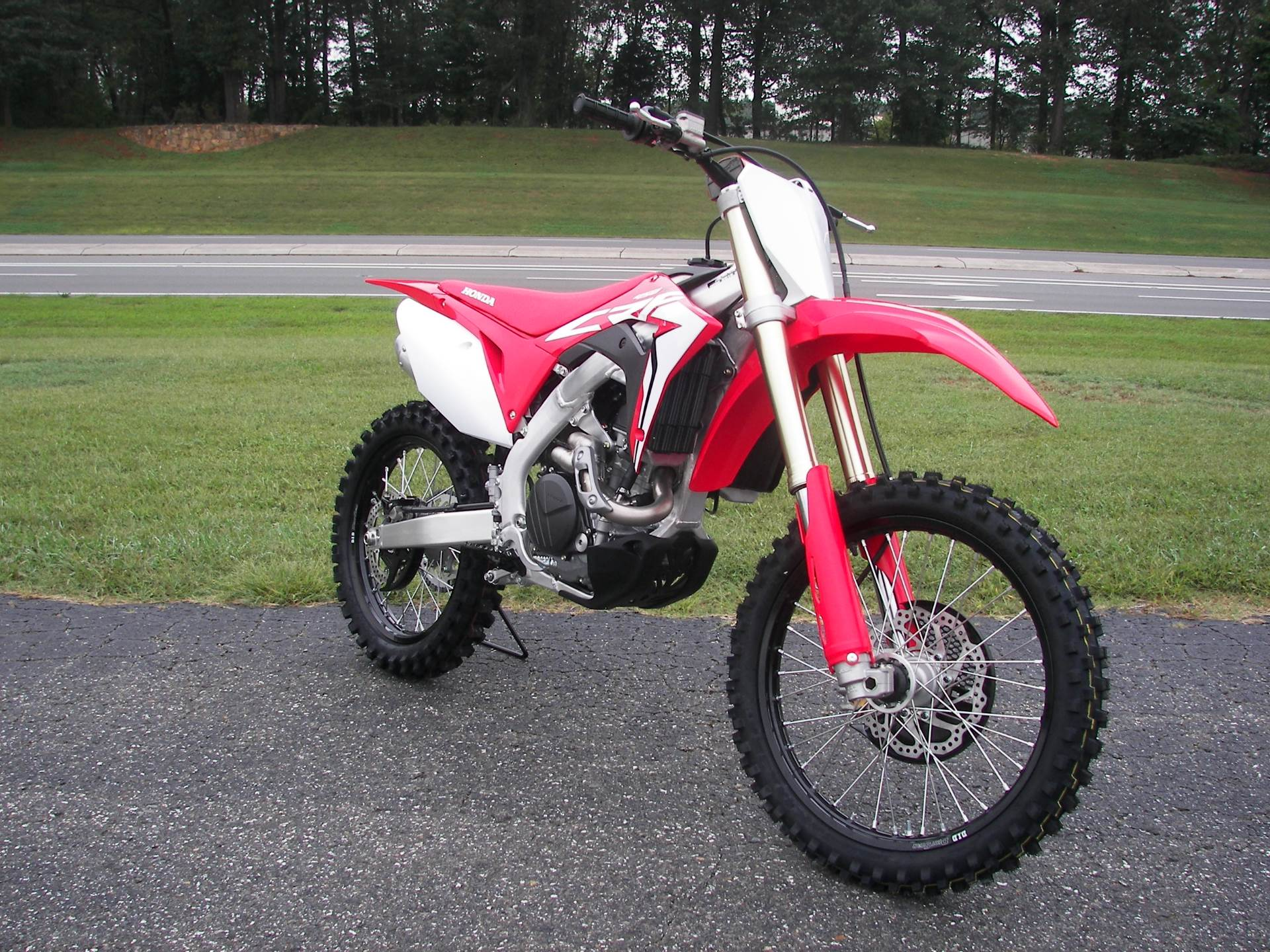 2019 Honda CRF450R in Shelby, North Carolina - Photo 3