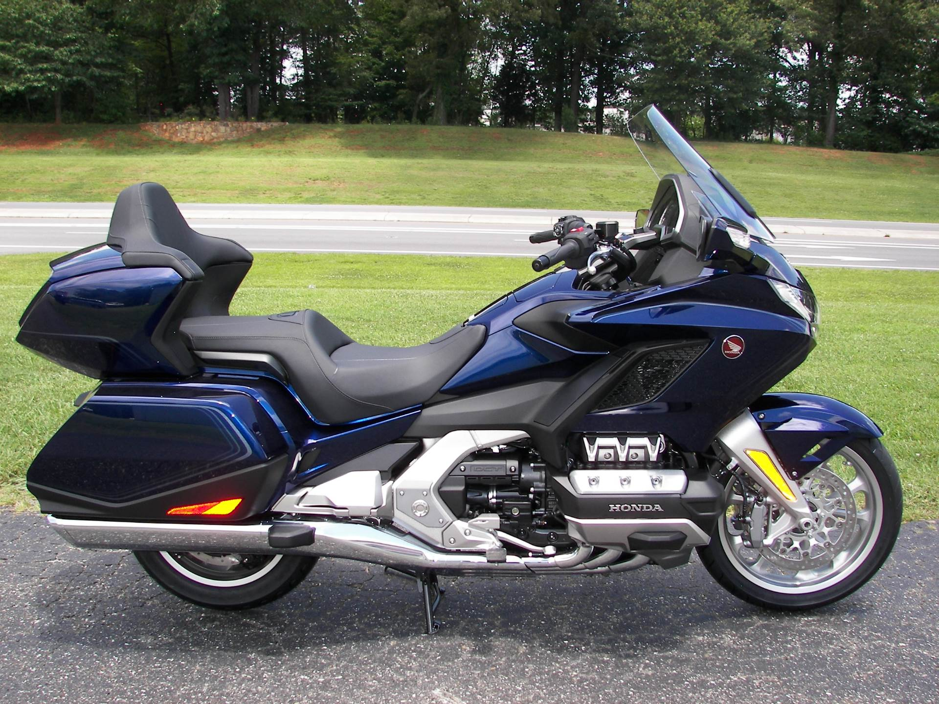 2018 Honda Gold Wing Tour Automatic DCT in Shelby, North Carolina - Photo 2
