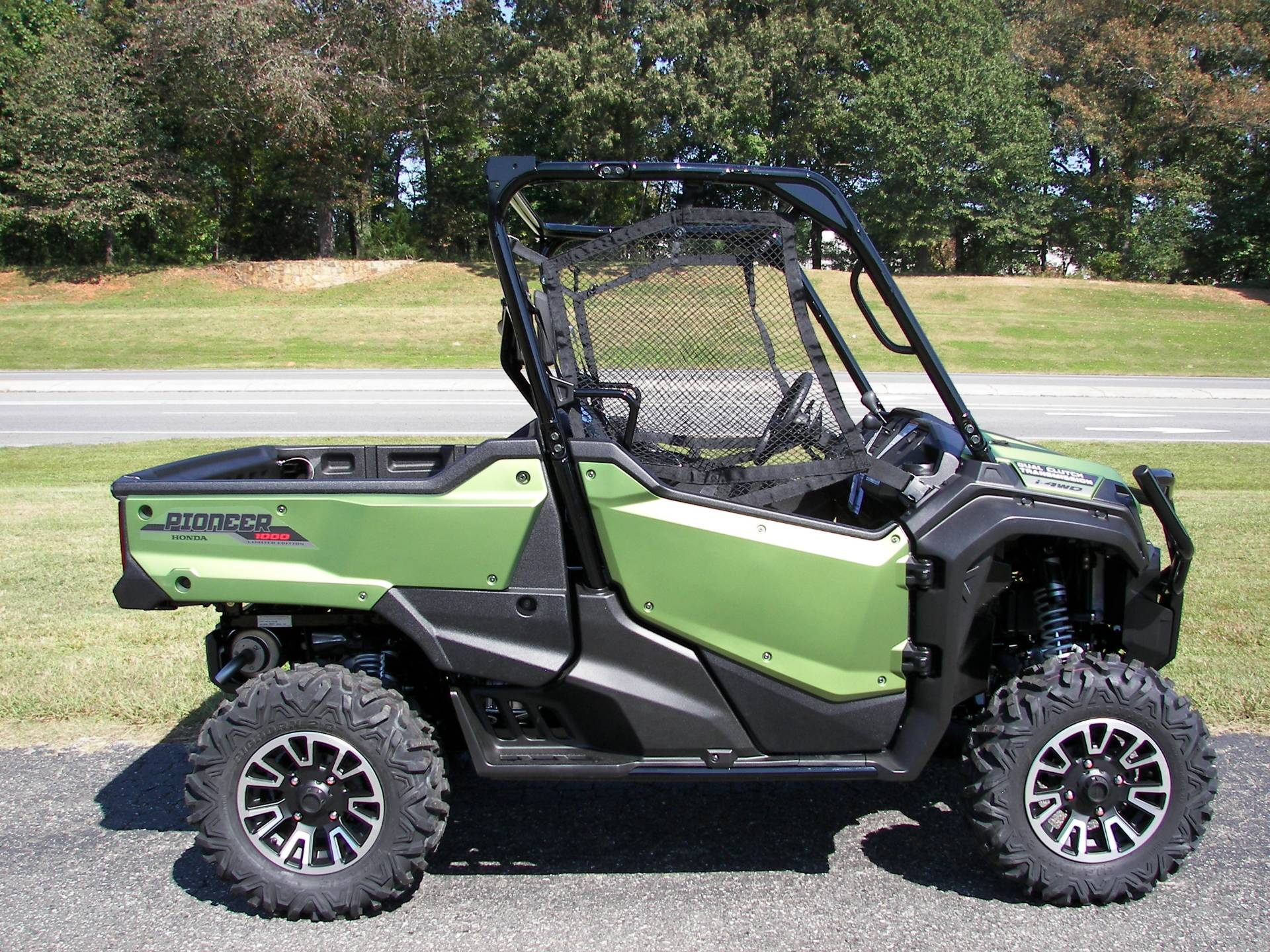 2021 Honda Pioneer 1000 Limited Edition in Shelby, North Carolina - Photo 3