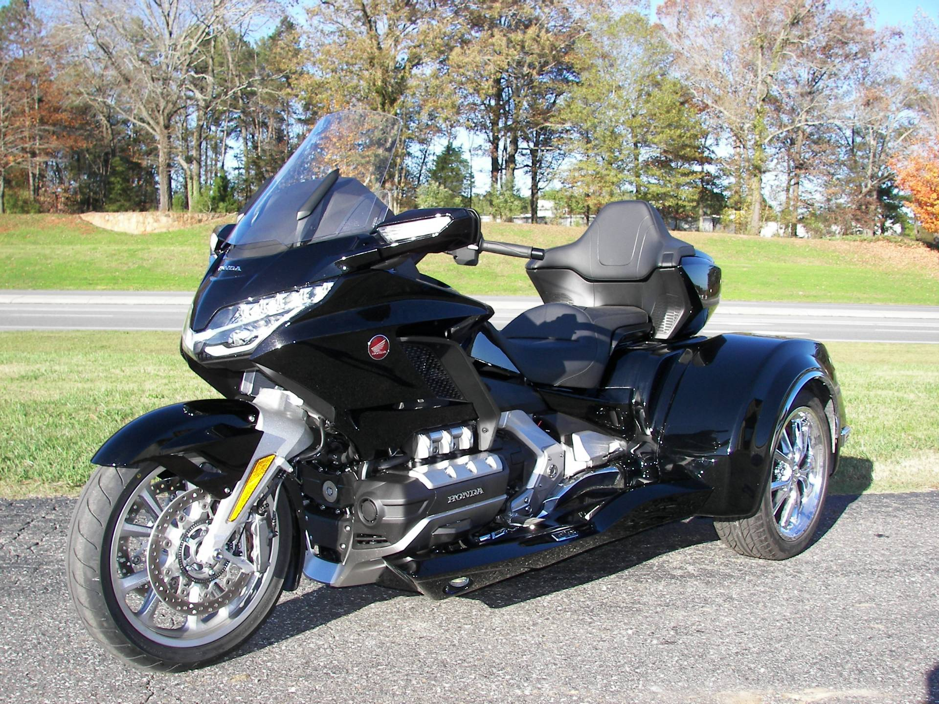2019 Honda Gold Wing Tour Automatic DCT in Shelby, North Carolina - Photo 3