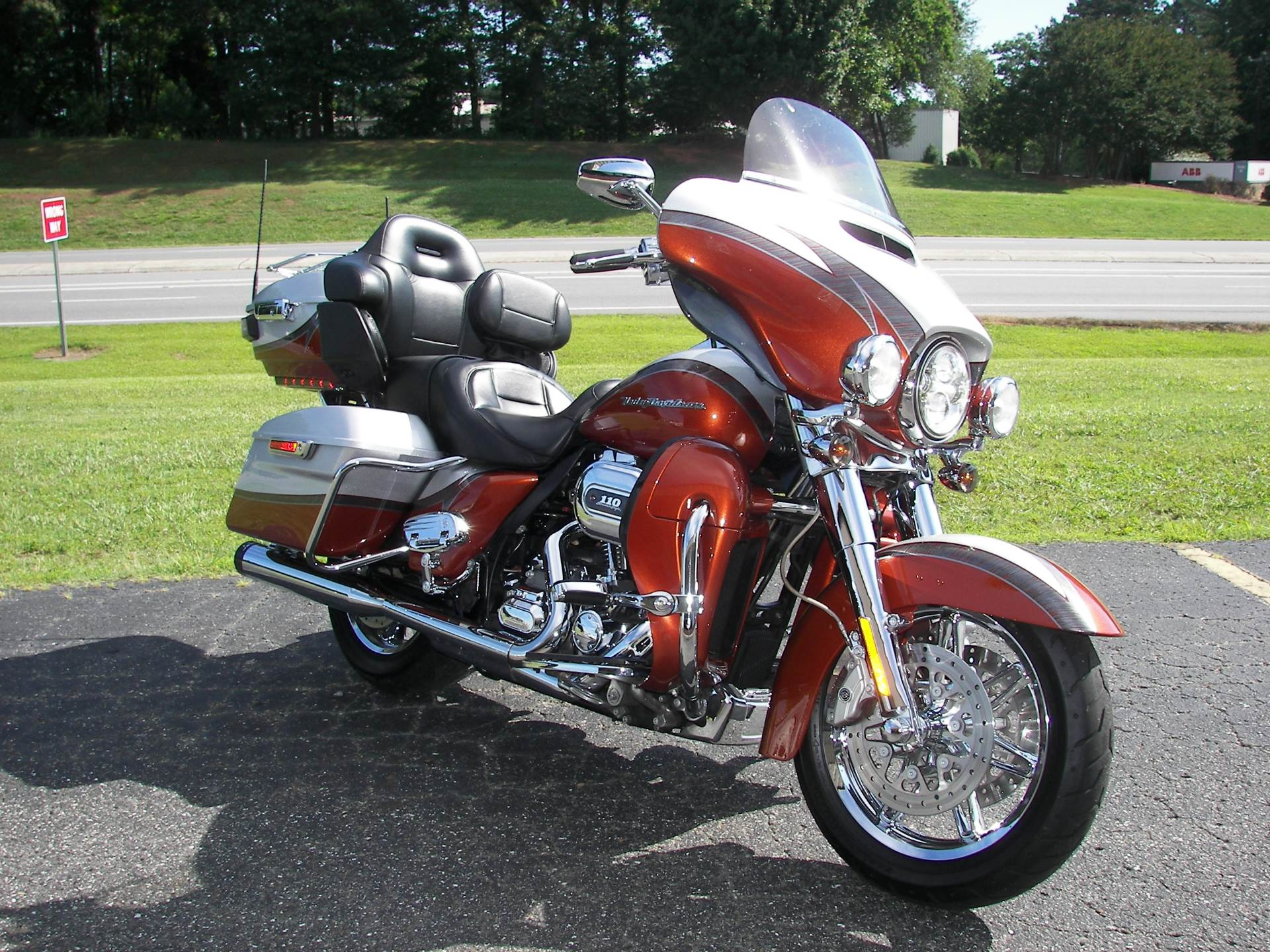 2014 Harley-Davidson CVO™ Limited in Shelby, North Carolina - Photo 3