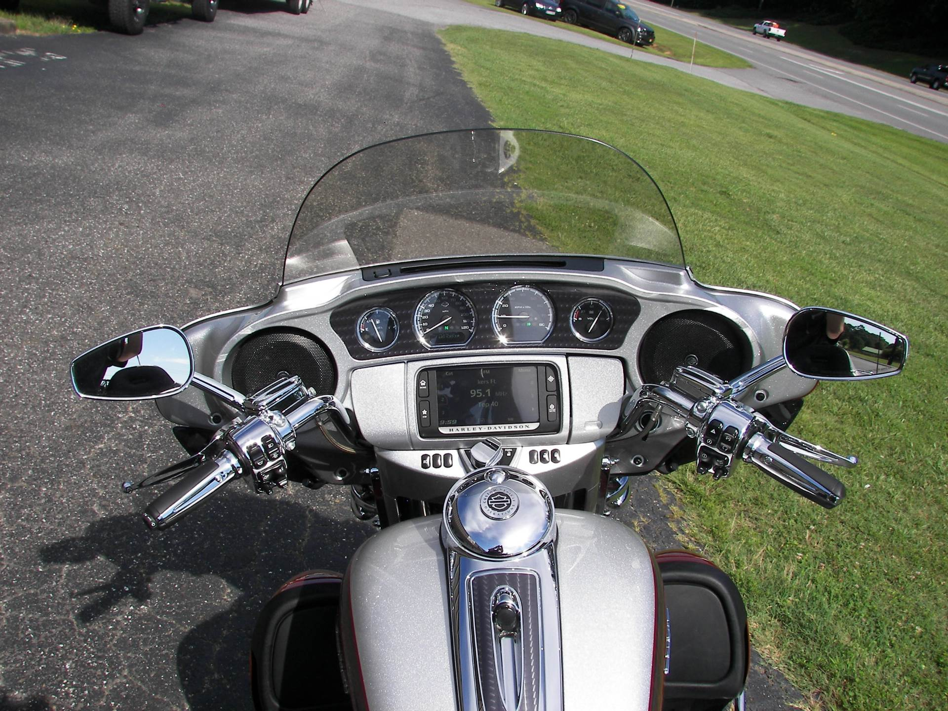 2014 Harley-Davidson CVO™ Limited in Shelby, North Carolina - Photo 12
