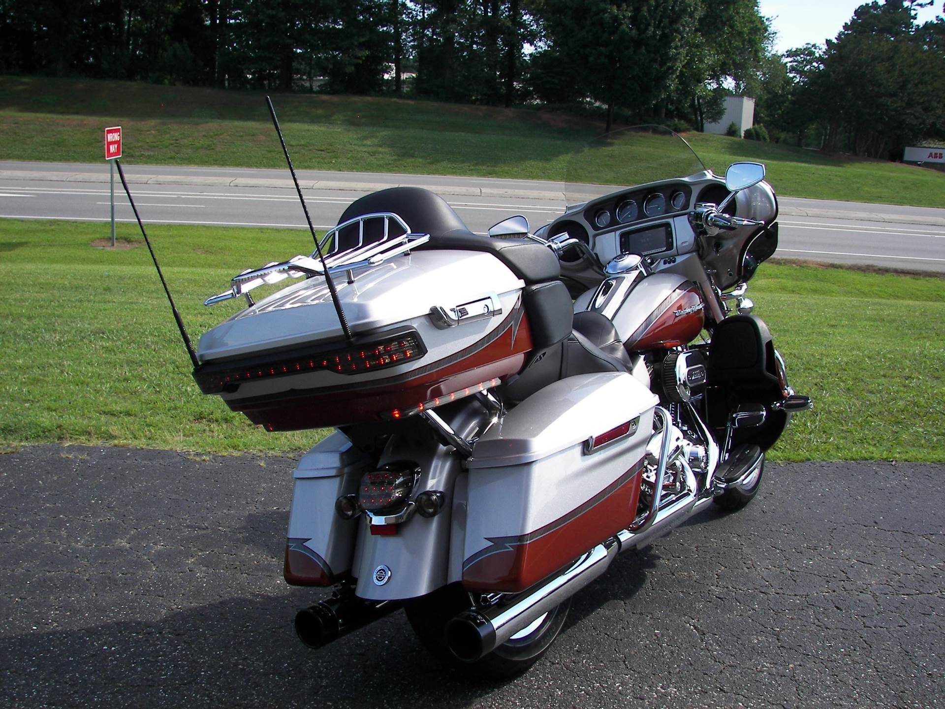 2014 Harley-Davidson CVO™ Limited in Shelby, North Carolina - Photo 13