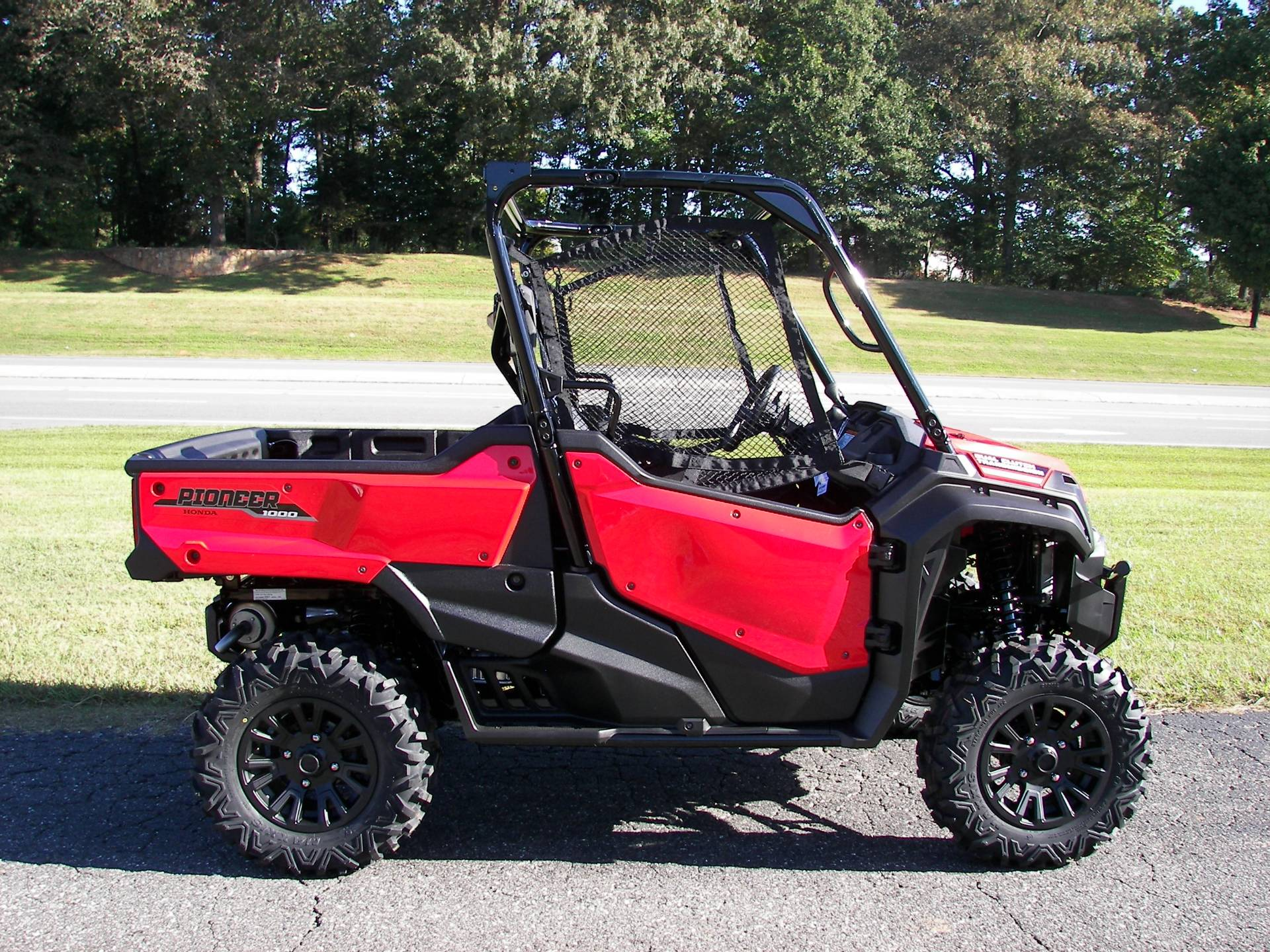 2021 Honda Pioneer 1000 Deluxe in Shelby, North Carolina - Photo 3