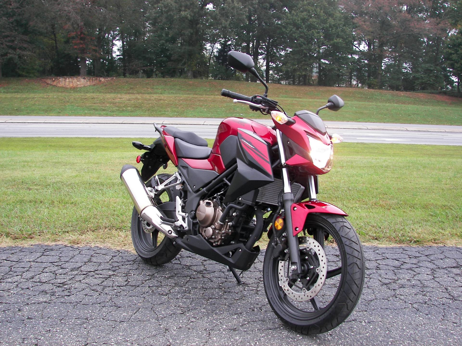 2018 Honda CB300F in Shelby, North Carolina - Photo 3