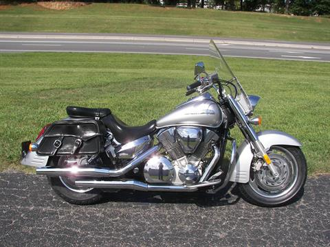 2009 Honda VTX®1300R in Shelby, North Carolina