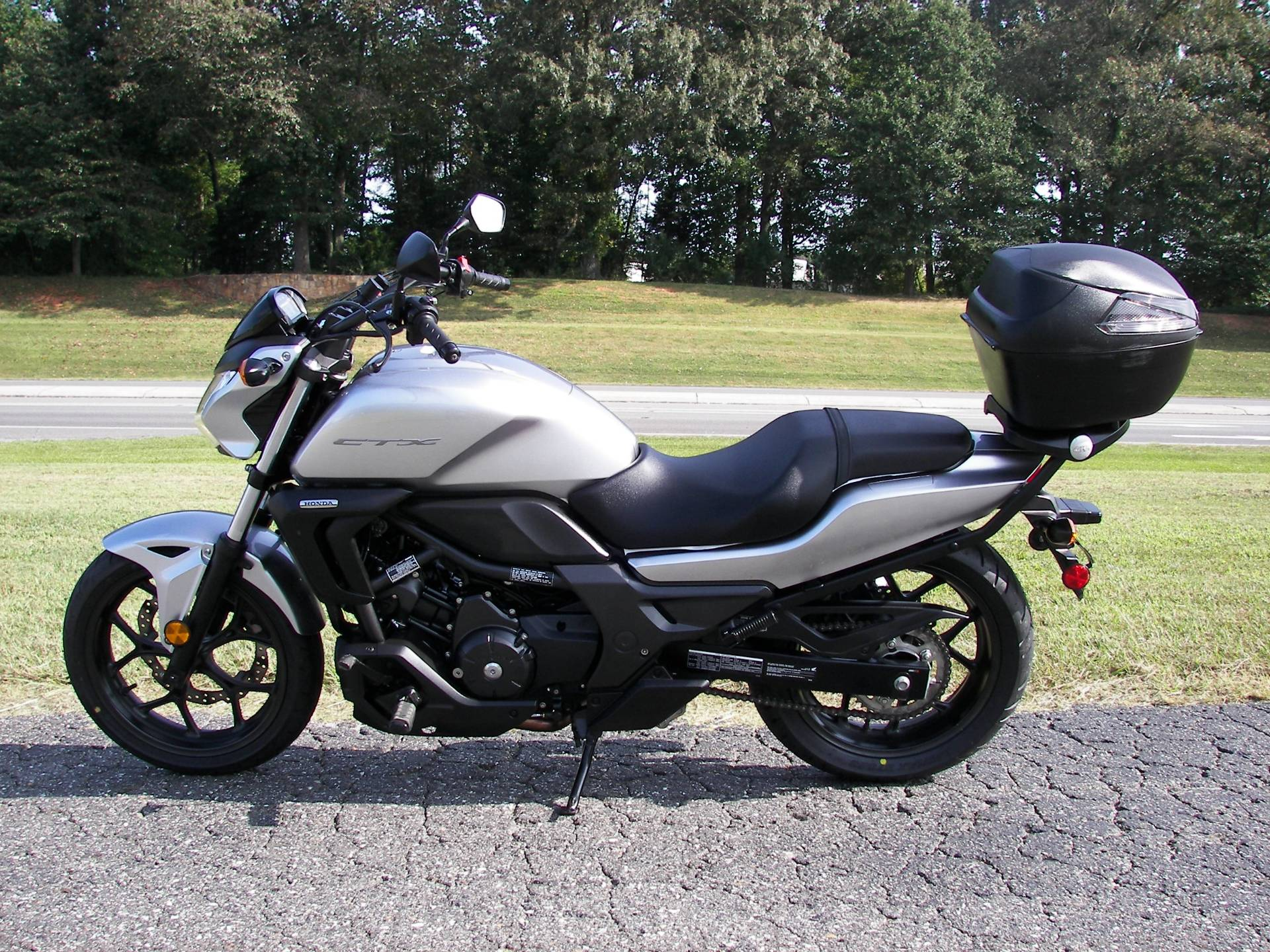 2016 Honda CTX700N in Shelby, North Carolina - Photo 3