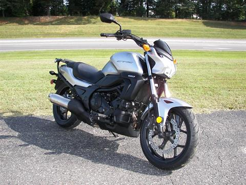 2016 Honda CTX700N in Shelby, North Carolina - Photo 8
