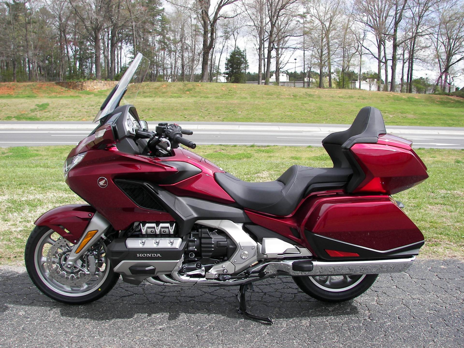 2018 Honda Gold Wing Tour in Shelby, North Carolina - Photo 2