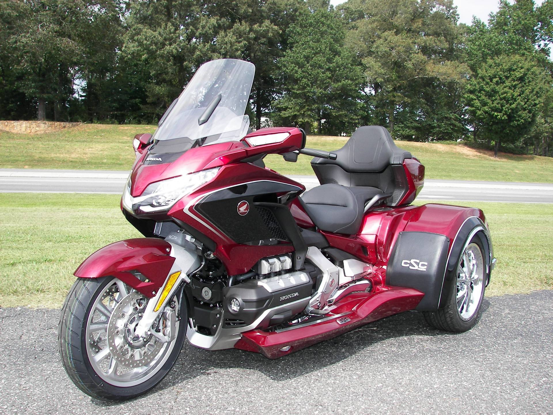 2020 Honda Gold Wing Tour Automatic DCT in Shelby, North Carolina - Photo 4