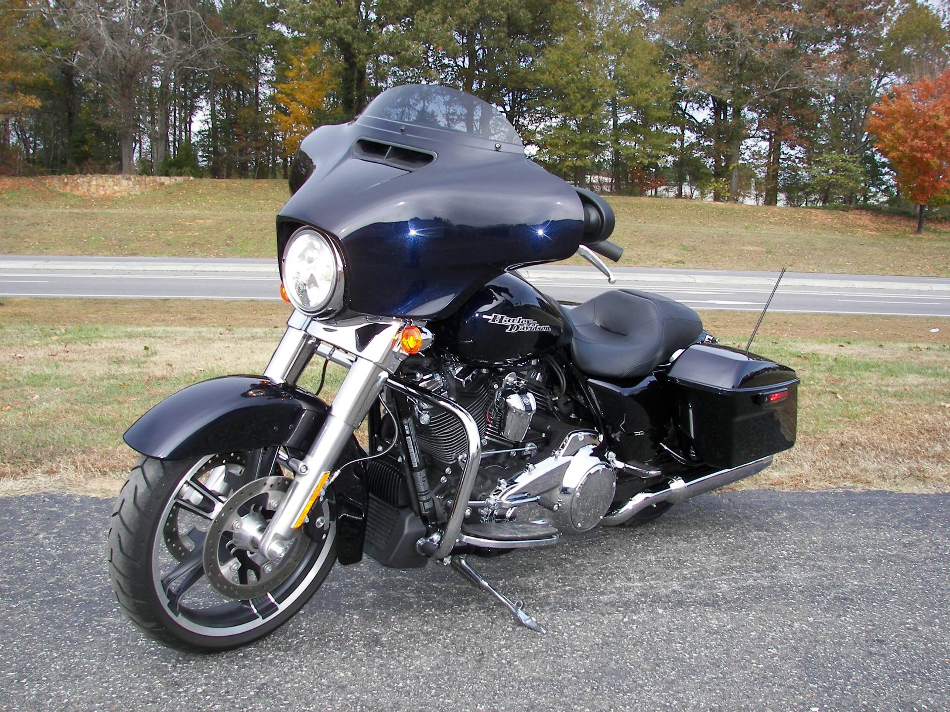 2019 Harley-Davidson Street Glide® in Shelby, North Carolina - Photo 4