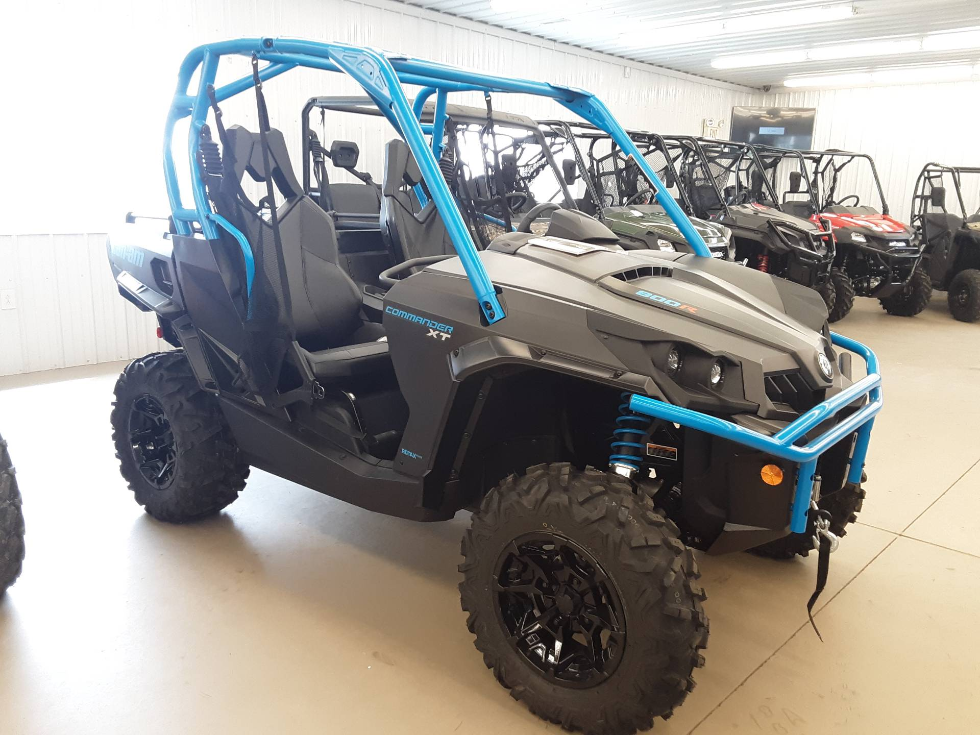 2019 Can-Am Commander XT 800R in Harrisburg, Illinois - Photo 1