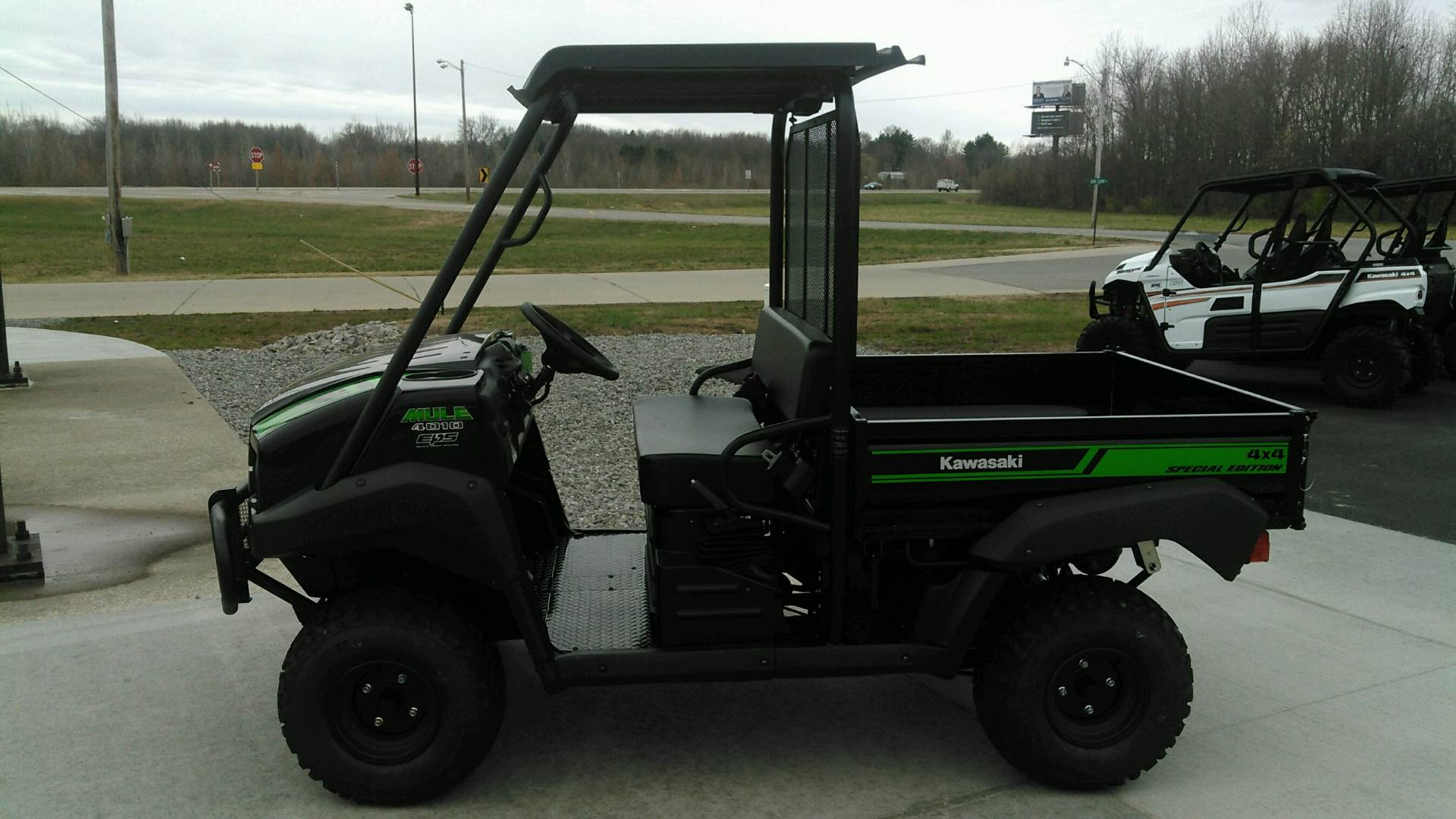 2018 Kawasaki Mule 4010 4x4 SE in Harrisburg, Illinois