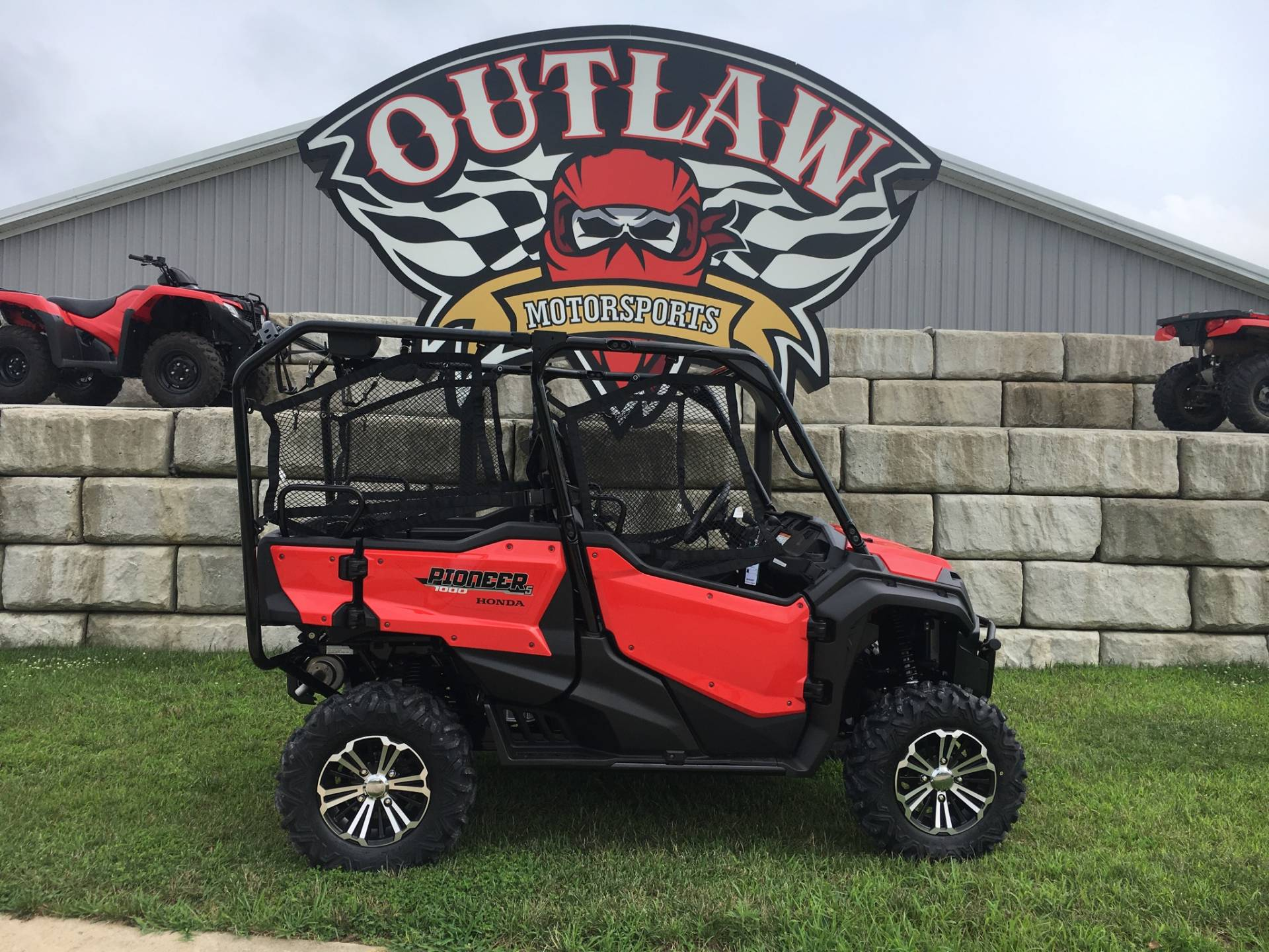 2018 Honda Pioneer 1000-5 Deluxe in Harrisburg, Illinois