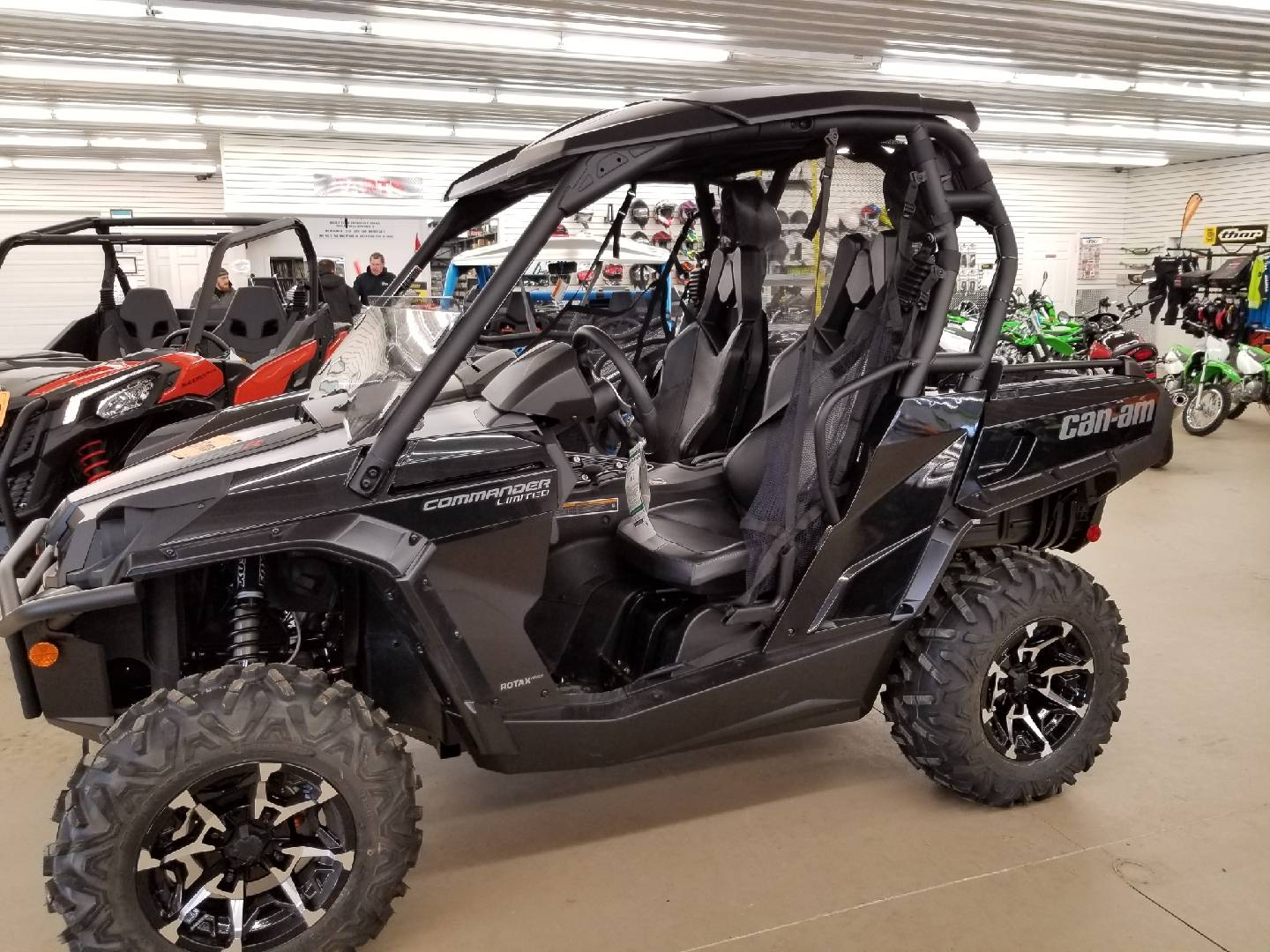 2019 Can-Am Commander Limited 1000R in Harrisburg, Illinois