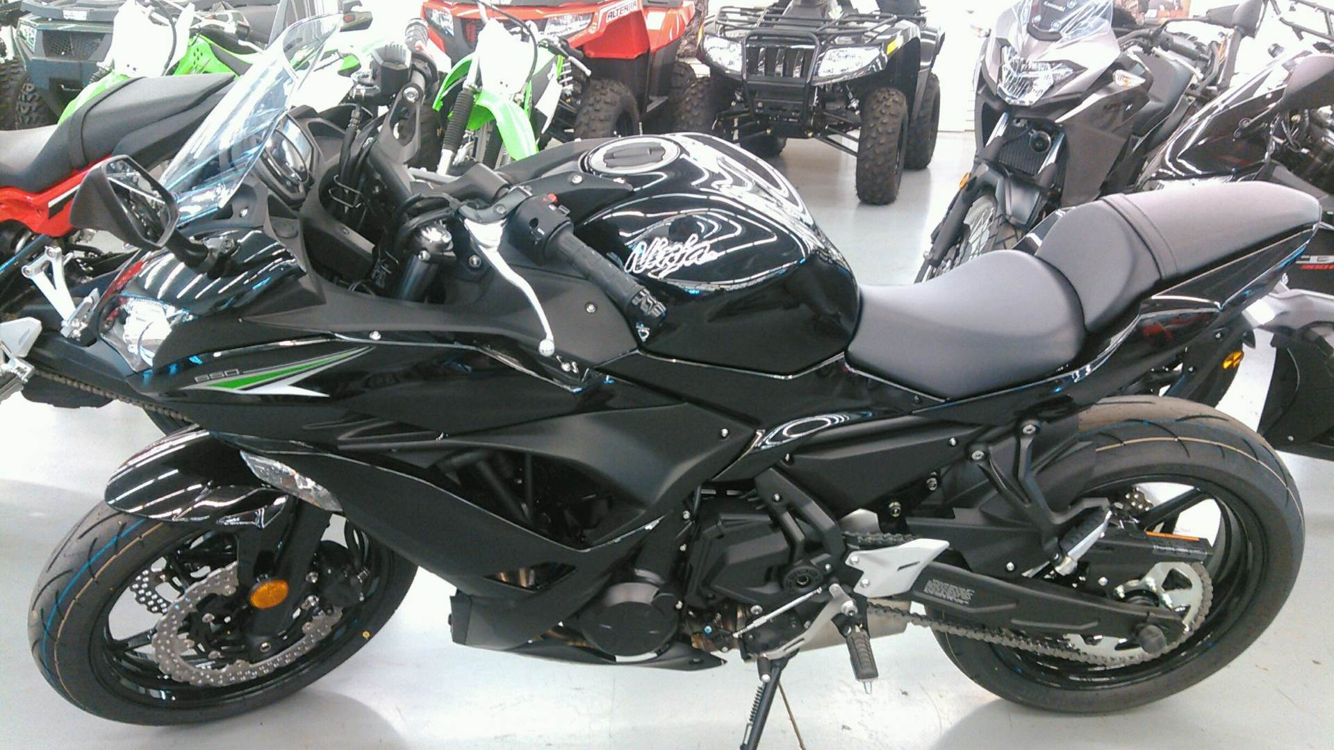 2017 Kawasaki Ninja 650 in Harrisburg, Illinois