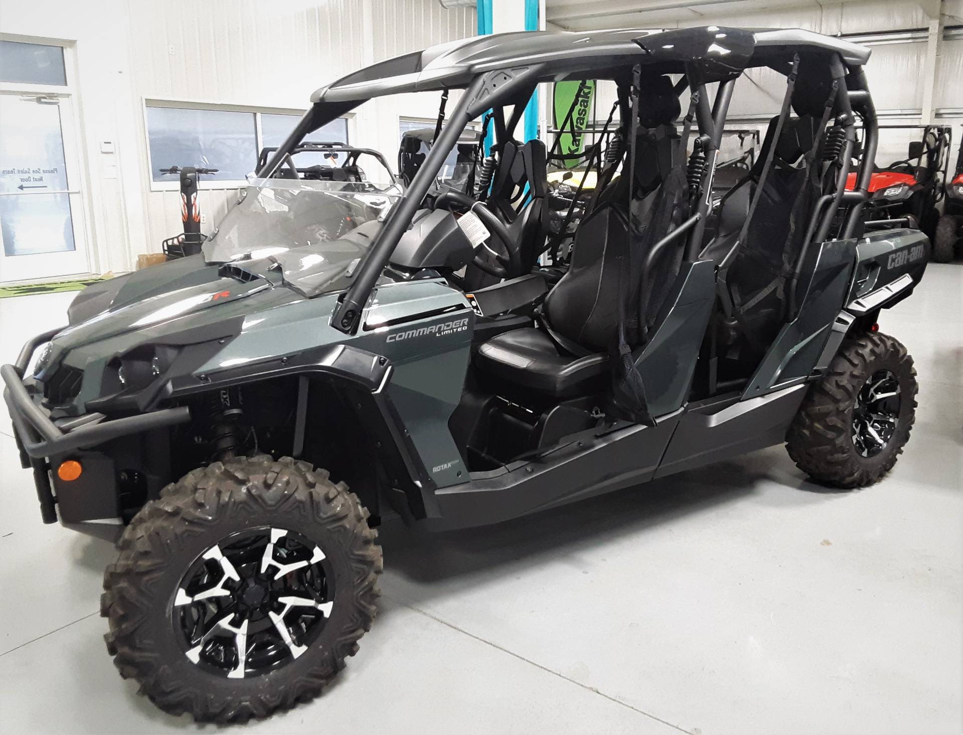 2020 Can-Am Commander MAX Limited 1000R in Harrisburg, Illinois