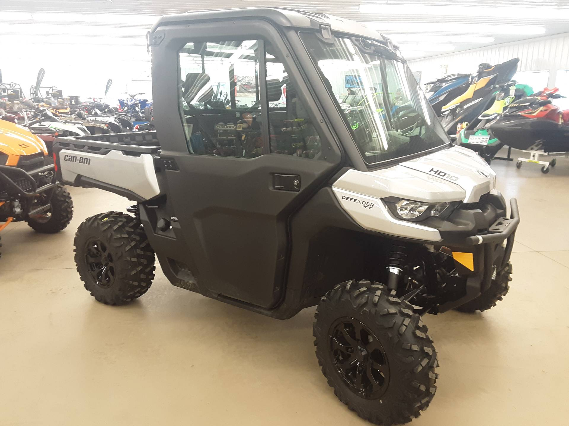2019 CAN-AM DEFENDER CAB HD10 in Harrisburg, Illinois - Photo 1