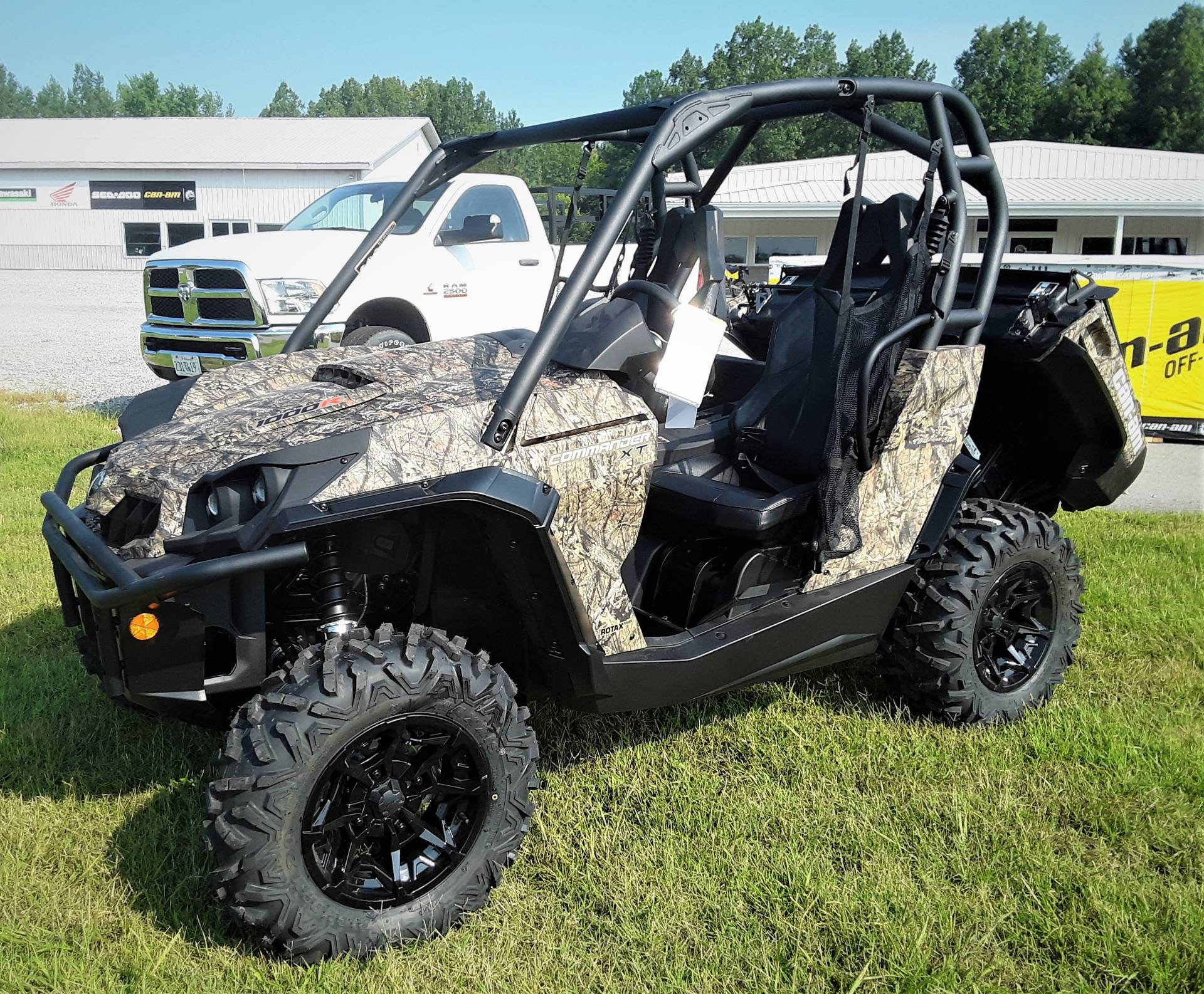 2020 Can-Am Commander XT 1000R in Harrisburg, Illinois