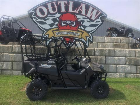 2018 Honda Pioneer 700-4 Deluxe in Harrisburg, Illinois