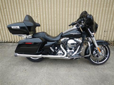 2014 Harley-Davidson Street Glide® Special in Nutter Fort, West Virginia