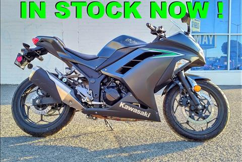 2016 Kawasaki Ninja 300 in Salinas, California - Photo 1