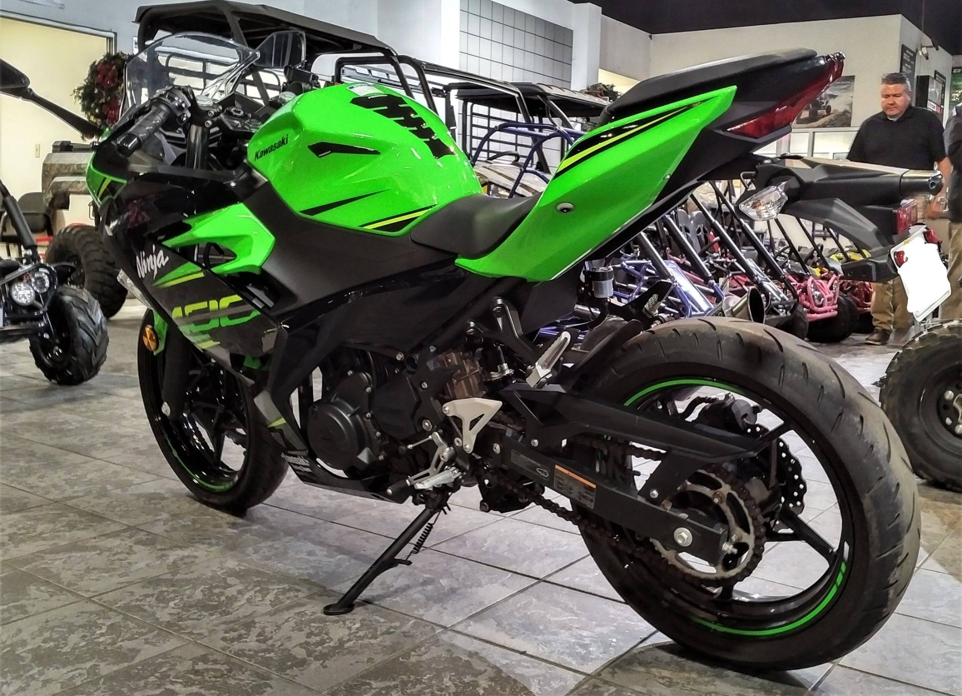 2018 Kawasaki Ninja 400 KRT Edition in Salinas, California - Photo 10