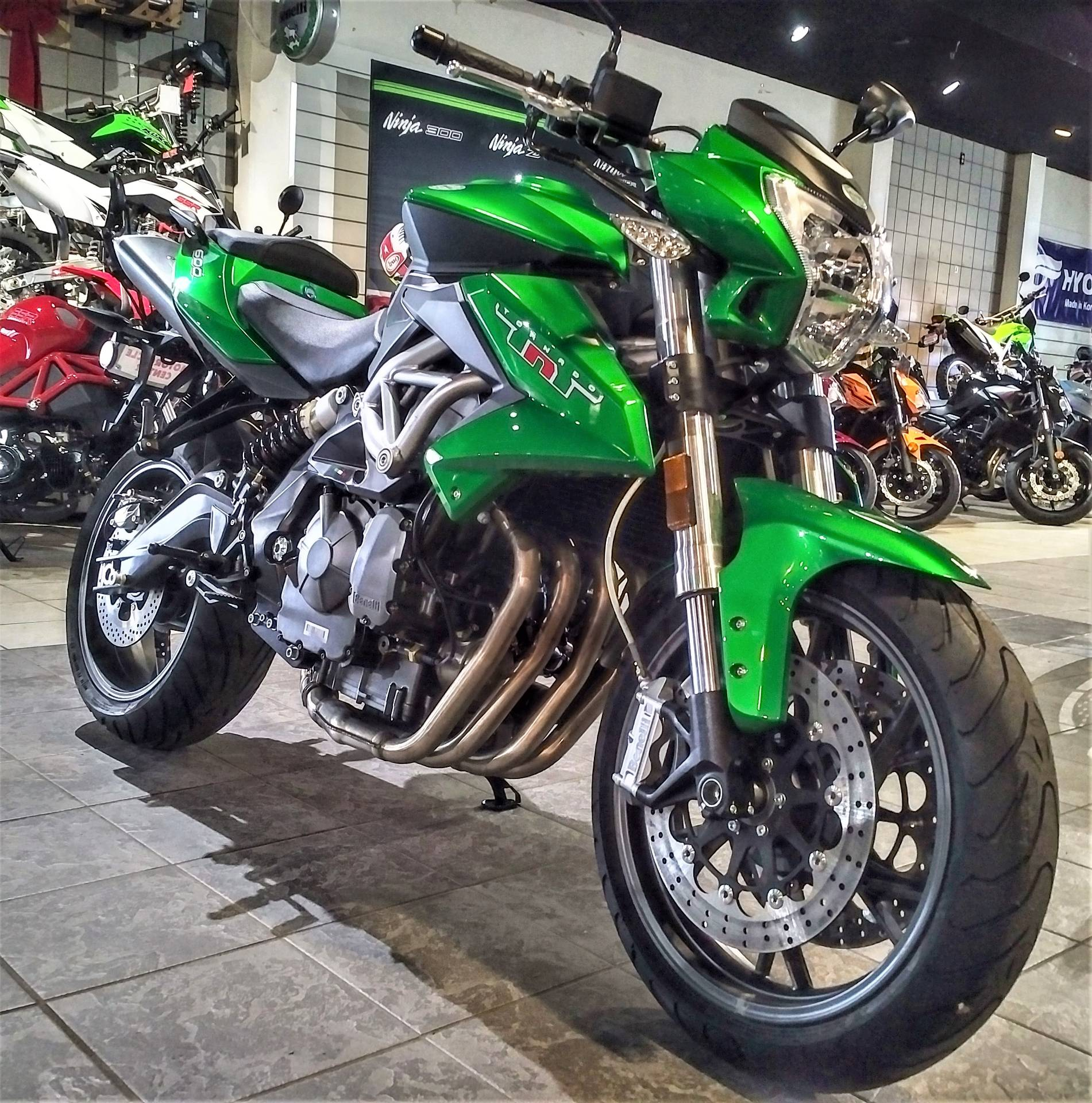 2017 Benelli TNT600 in Salinas, California - Photo 4