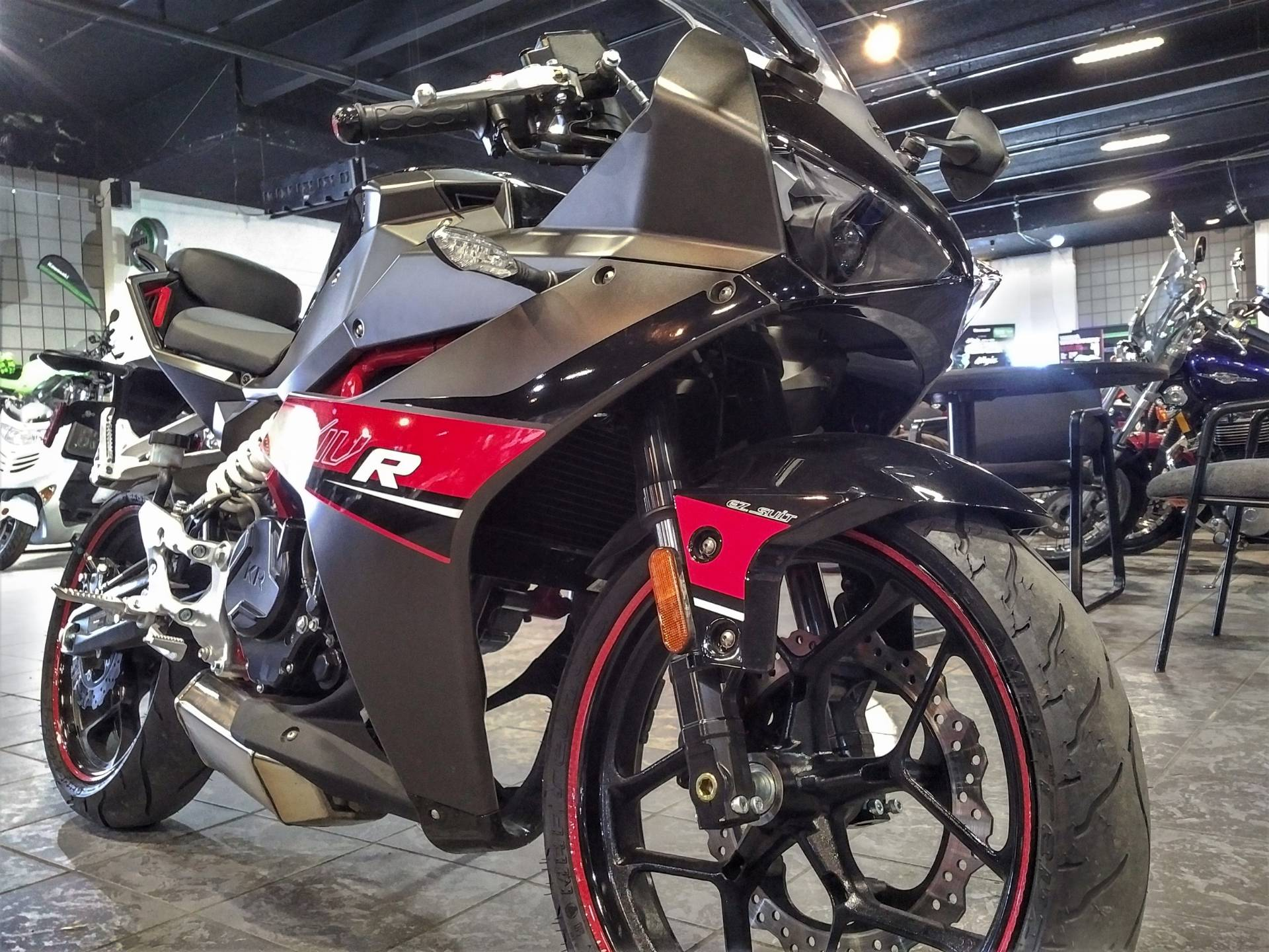 2017 Hyosung GD250R in Salinas, California - Photo 4
