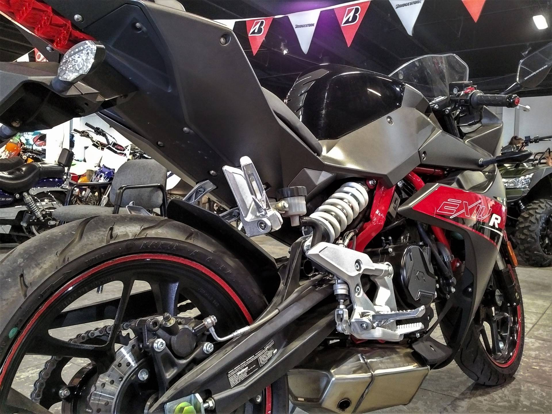 2017 Hyosung GD250R in Salinas, California - Photo 9
