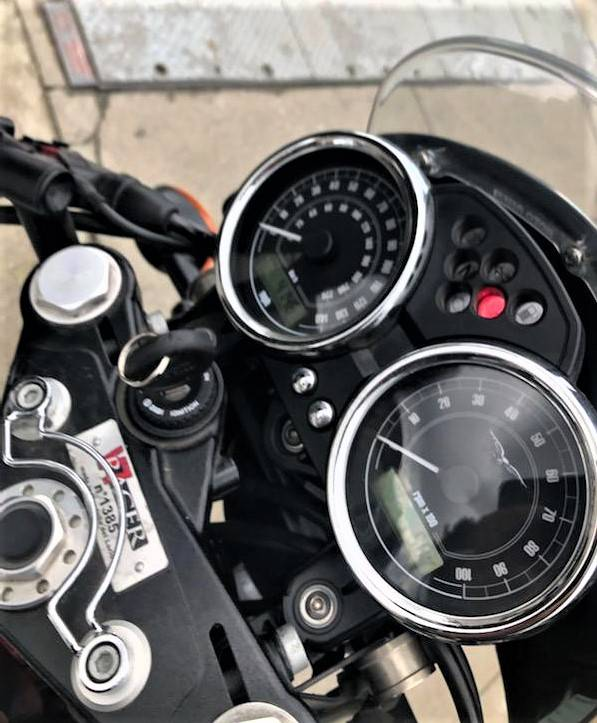 2014 Moto Guzzi V7 Racer in Salinas, California - Photo 8